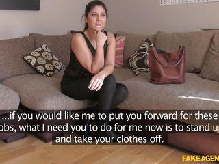 Порно видео целки крупным планом