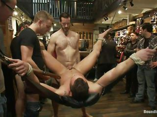 скачать бесплатно порно геев жесткое