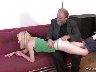 Порно видео с блондинкой училкой