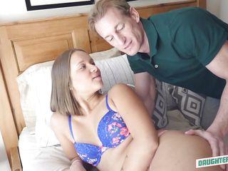 Скачать порно зрелых с молодыми
