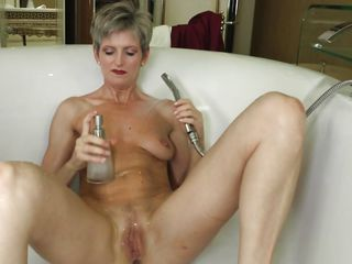 Порно мастурбация клитора